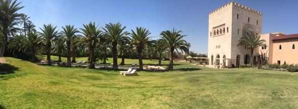 Ksar-Char-Bagh-hotel-luxe-marrakech-jardin-pano-590x216