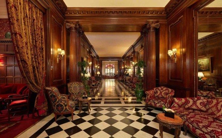Une_Hotel-Raphael-Paris
