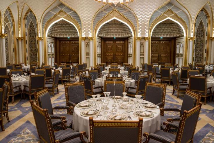 qasr-al-watan-palais-pr-sidentiel-des-eau-abu-dhabi-s-est-ouvert-au-public-le-mars-intérieur-et-de-luxe-d-marbre-à-cette-150688728